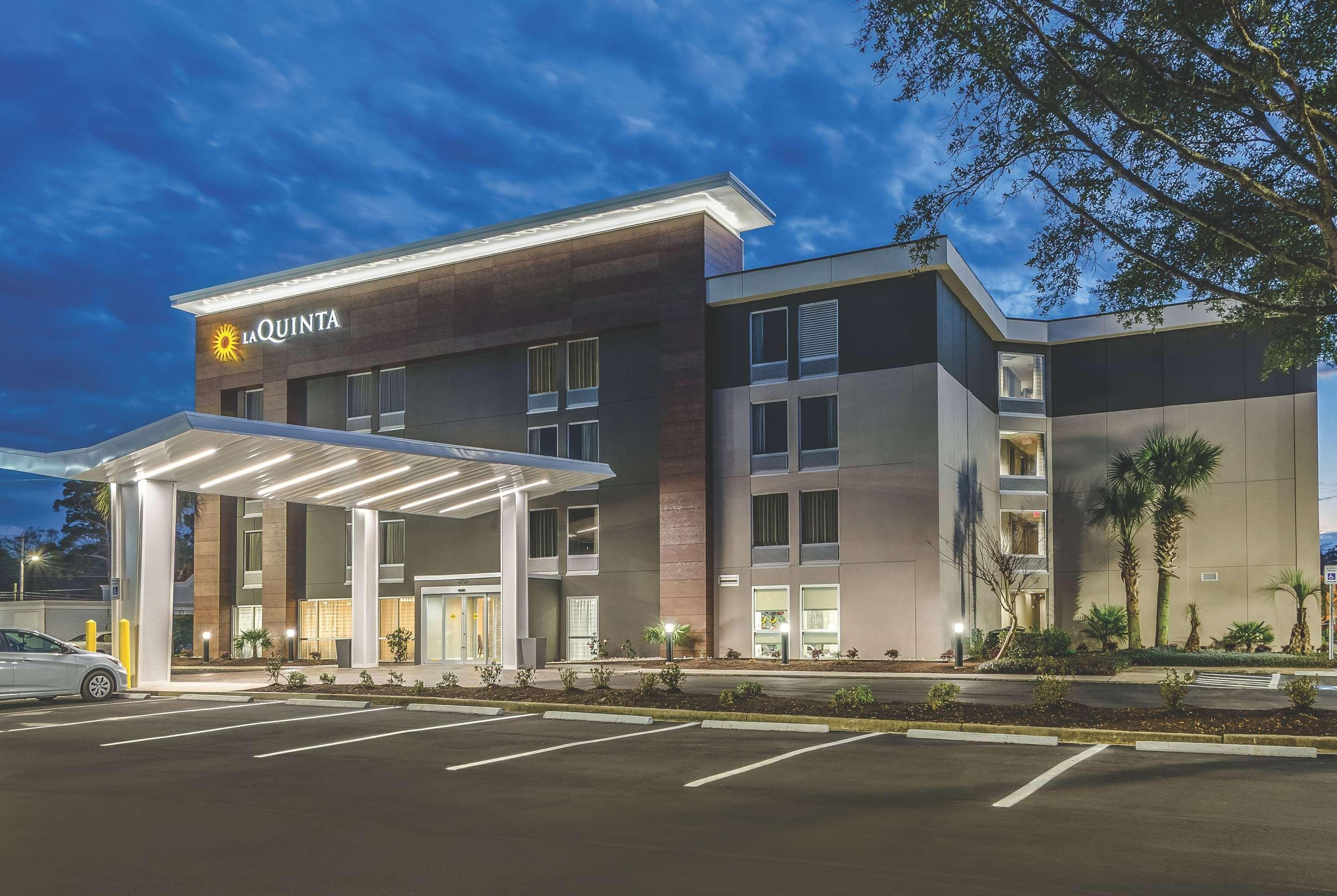 La Quinta Inn & Suites by Wyndham Myrtle Beach - N Kings Hwy